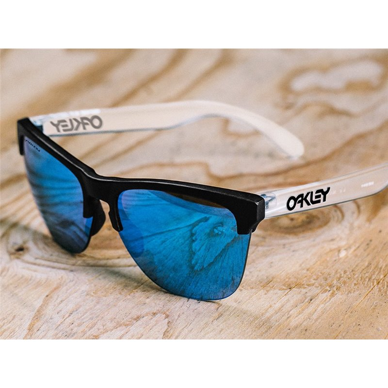 b60cdba9a57 Sunglasses Frogskins Lite Matte Black   Prizm Sapphire (OO9374-02)