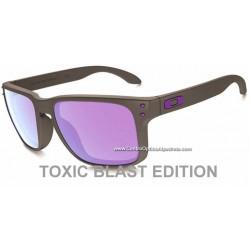 Holbrook Toxic Blast Dark Grey / Violet Iridium (OO9102-76)