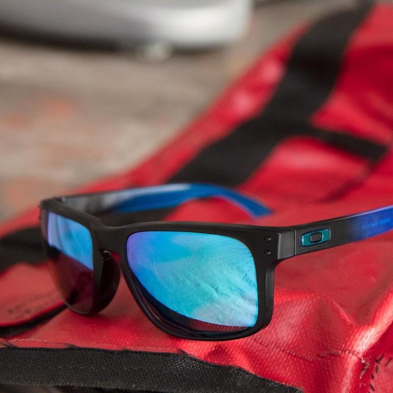 479d2247f0 Sunglasses Oakley Holbrook Sapphire Fade   Prizm Sapphire Polarized ...