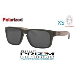 Holbrook XS Translucen Grey Smoke / Prizm Black Polarized (OJ9007-08)